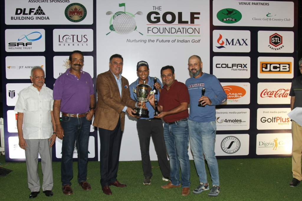<a class='Imglink' href='#'>professional Gunveer Rana and his team -winners</a><div class='clear_description'>professional Gunveer Rana and his team -winners</div>