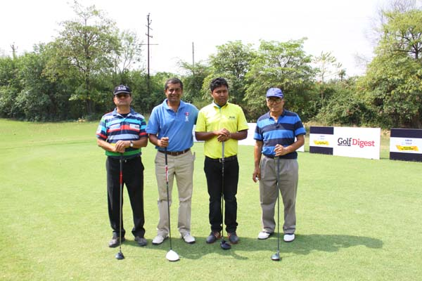 <div class='clear_description'>Ashok Kumar with participants</div>