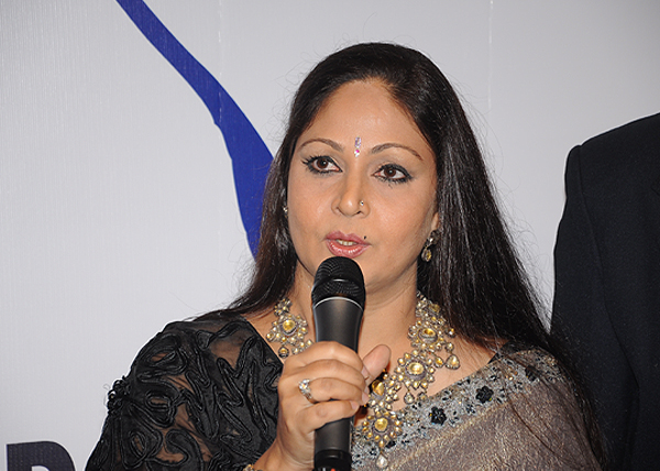 <div class='clear_description'>Rati Agnihotri at the Emerging Golfers' Awards 2011</div>